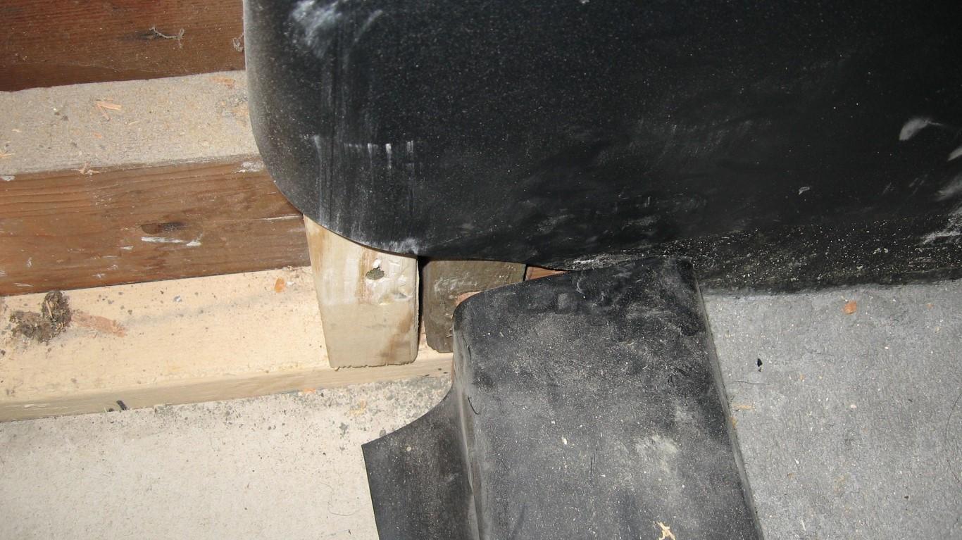 5 signs you new shower will leak tile install fails diytileguy - Shower base liner ...